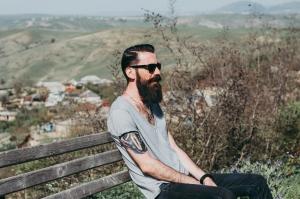 adult-beard-bench-842293